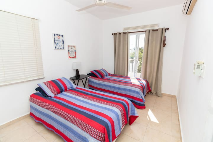 Floor 2 - Room 2: Two Double  Beds with Balcony