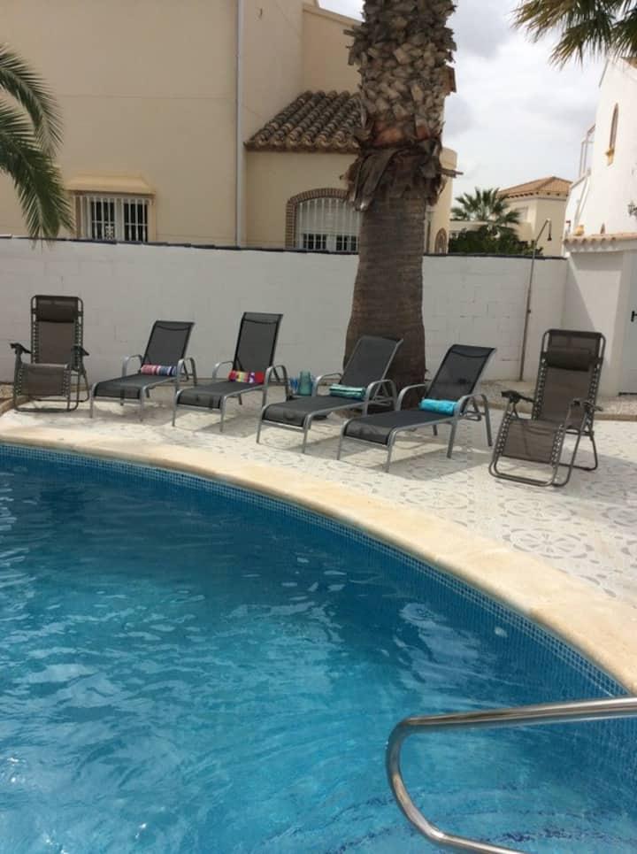Large 3 Bed 2 Bath Private Pool Villa - DC011