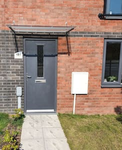 Room to stay in New Build Property