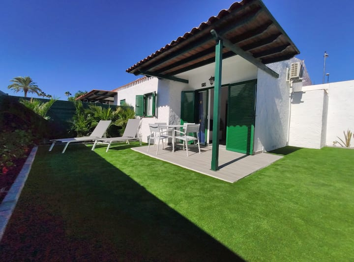 Private bungalow 200 meters from the yumbo center