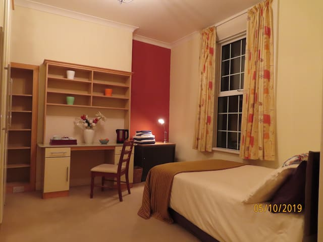 Double Ensuite Bedroom in Period House Facing Sea