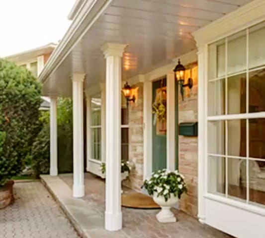 """#5""""锦园别墅""""环境优美高雅,拥有本市旅馆不可多见的庭院景观和休闲之地"""