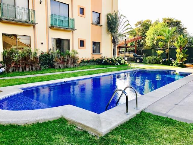 Bello Apartamento en Condominio - San Rafael - Apartment