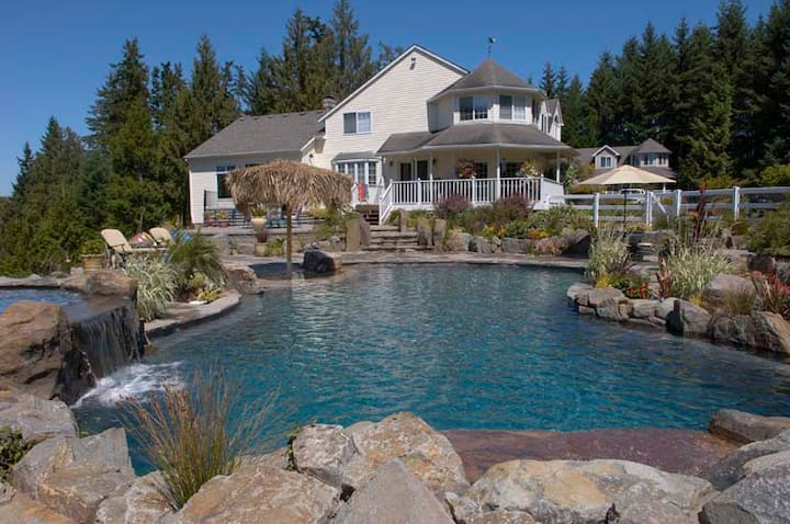 Country Oasis with Swimming Pool