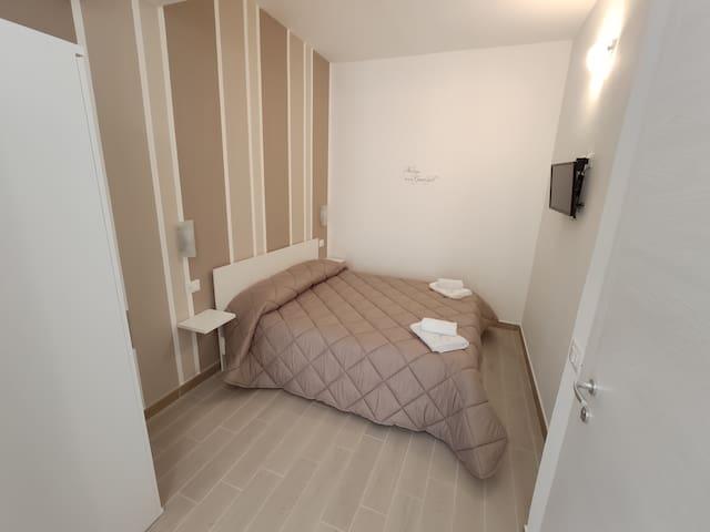 In Centro Rooms doppia economy2 con balcone al 2°P