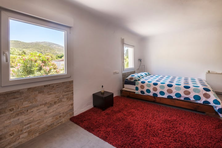Amplio Duplex, tranquilo, reformado y romantico.