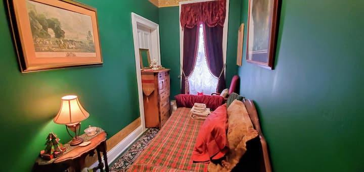 Sean's Homestead,the Green Room.