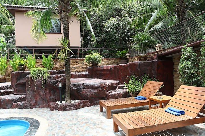 Adventure Resort (Baumhaus Nr. 2) - Muang Pattaya - Домик на дереве