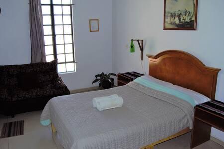Habitación en Centro de Guadalajara / baño privado