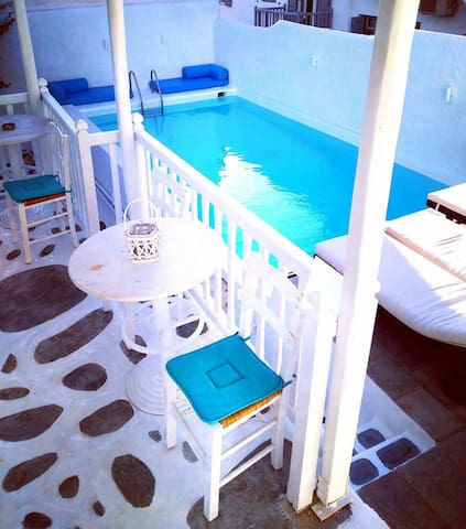 Mykonos Suite in the heart of Mykonos 2 person.