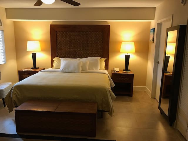 Private Apartment with 5-star Resort Experience - Oranjestad - Byt