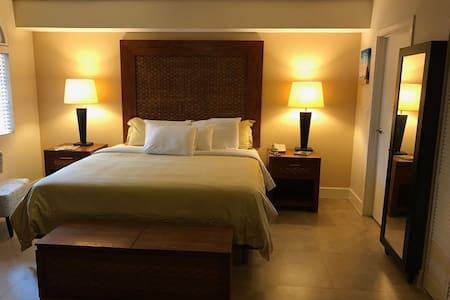 Private Apartment with 5-star Resort Experience - Oranjestad - Apartmen