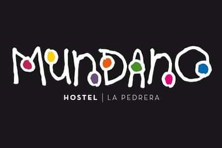 MUNDANO HOSTEL - La Pedrera - 旅舍