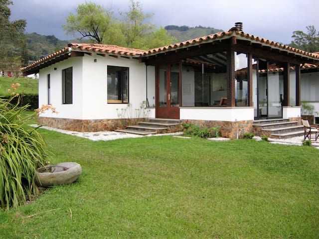 Country home in the outskirts of Medellin - Medellin - Dom