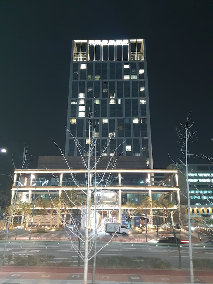 울산여행이나 출장은 호텔같이 아늑하고 편안한 혁신신도시 타워더모스트 이곳입니다.함월산뷰