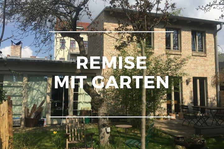 Remise mit Garten in Potsdam/Babelsberg - Poczdam - Dom