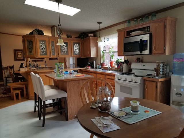Comfortable home with easy access to all MN offers