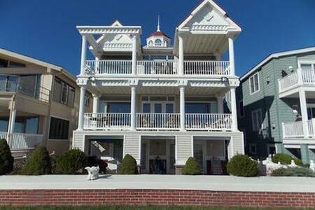 3925 Deluxe Beachfront 4 bedroom Ocean Views - Ocean City - House