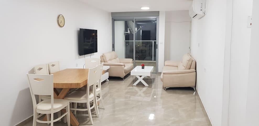 Luxury 3-Bedroom Modern Apartment