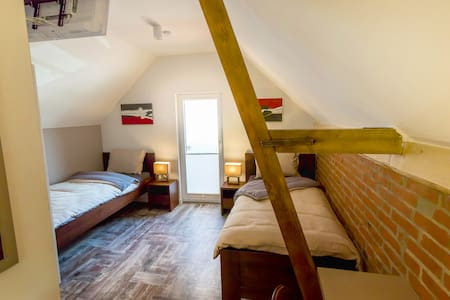 B&B Comfort House Room 4 - Lostorf - Bed & Breakfast