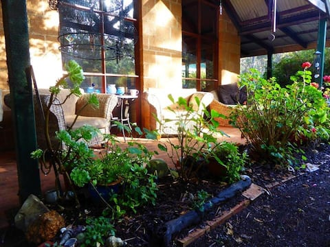 Ecological Bed & Breakfast * in Karri Forest *