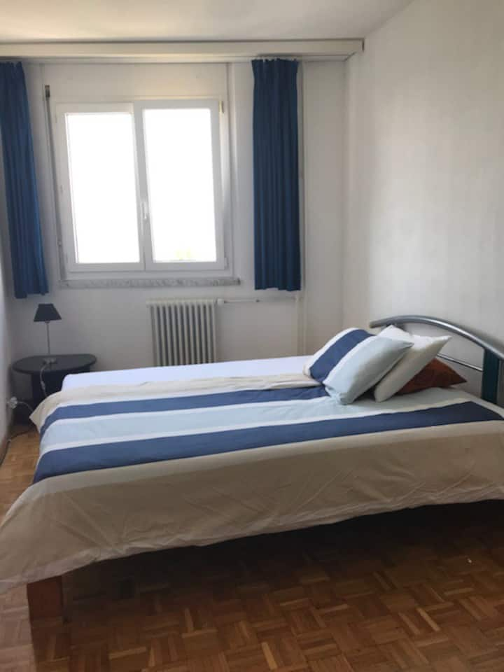 Large Room near Airport, Palexpo & More '2