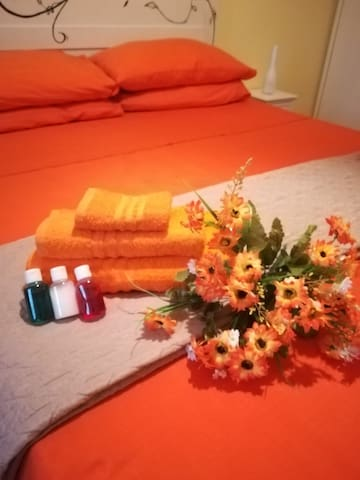 Orange features to give a sunny look