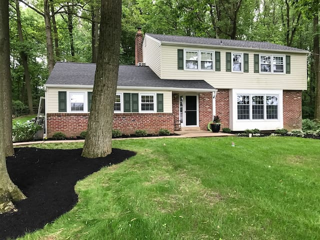 West Chester 4bed/3bath-perfect for grad weekend!