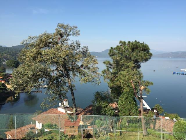 Villa del lago (alberca, spa, gym, tenis court)