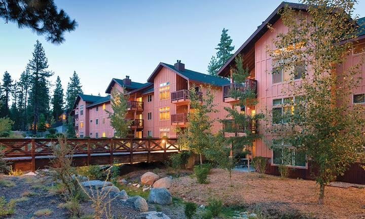 Stunning 1 BR Condo at Lake Tahoe Sleeps 4