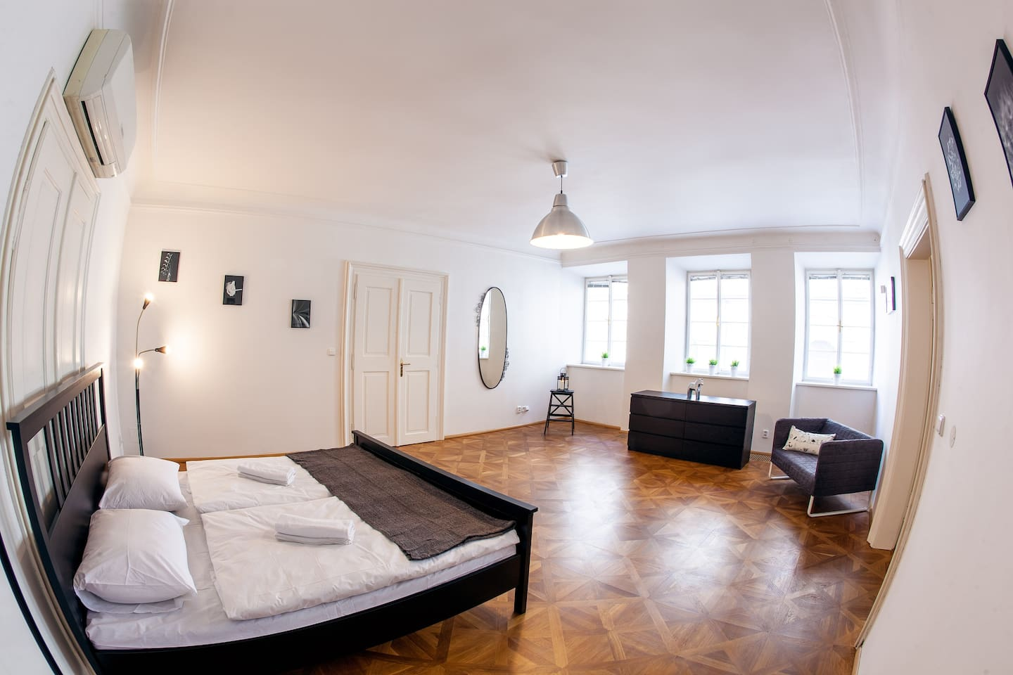 Master bedroom with real wooden parquet King-size double bed (180*200) with high-quality Turkish linen.