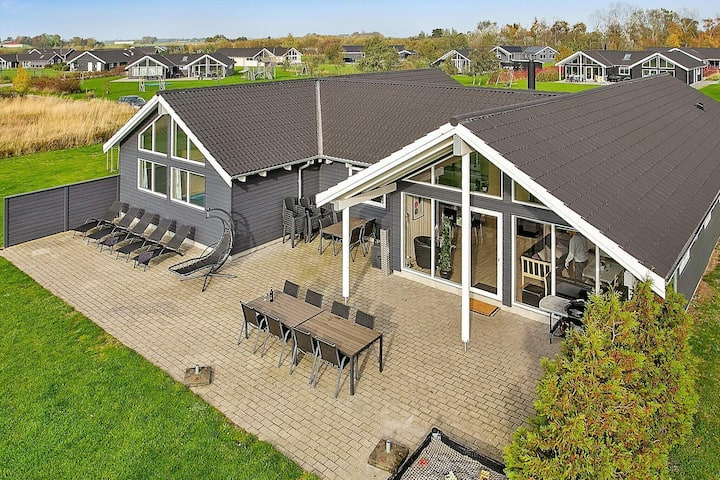 Luxurious Holiday Home with Indoor Pool in Væggerløse