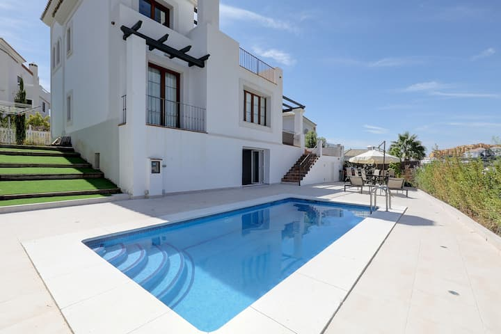 Stunning Luxury Villa only 50 metres to Golf Club