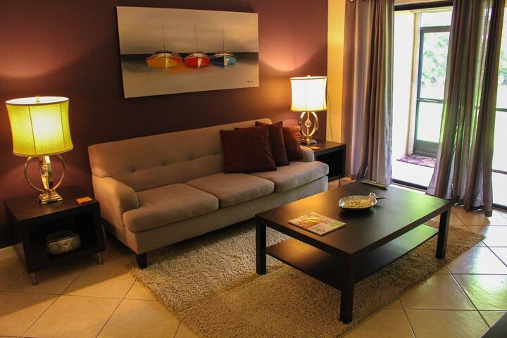 Feeling home away from home! - Lauderhill - Appartement