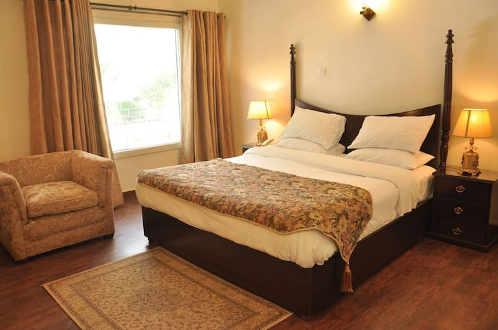 Capital Grande Guest House. 5 star room facilities