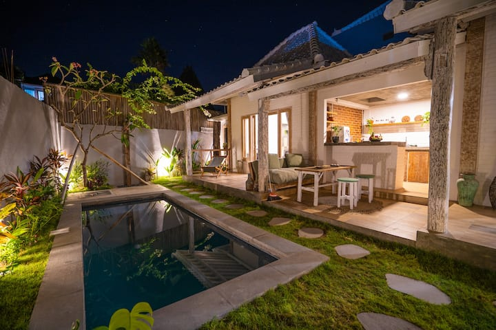 Charming Joglo House in peaceful Pererenan.