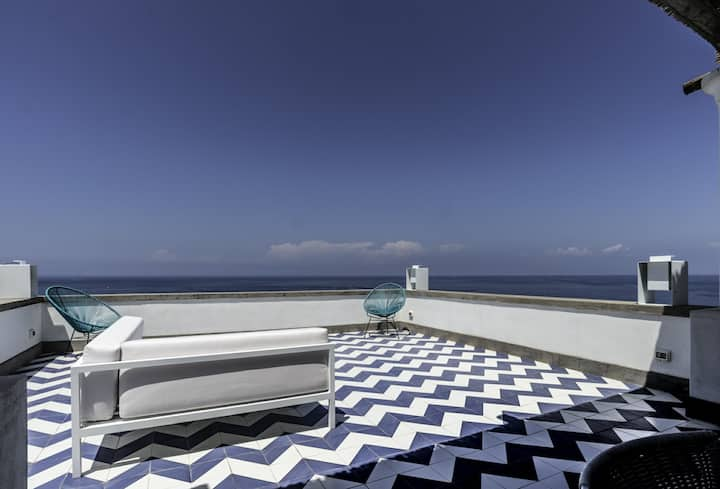 Capri luxury panoramic house by the sea