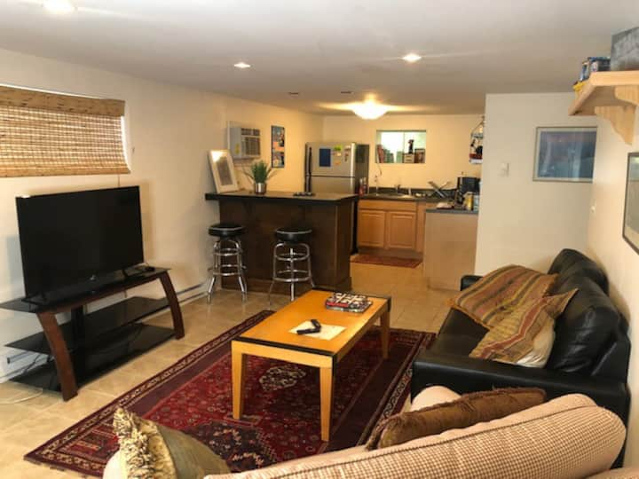 ★1 BR Private Apartment in Downtown Cville★