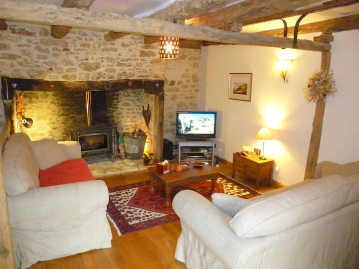 La Ferme 3 bed farmhouse, pool and stunning views.