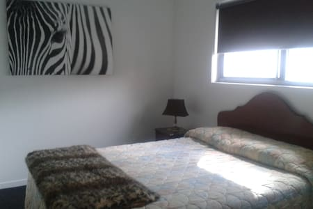 1 BDRM UNIT - Paradise Point - Apartment