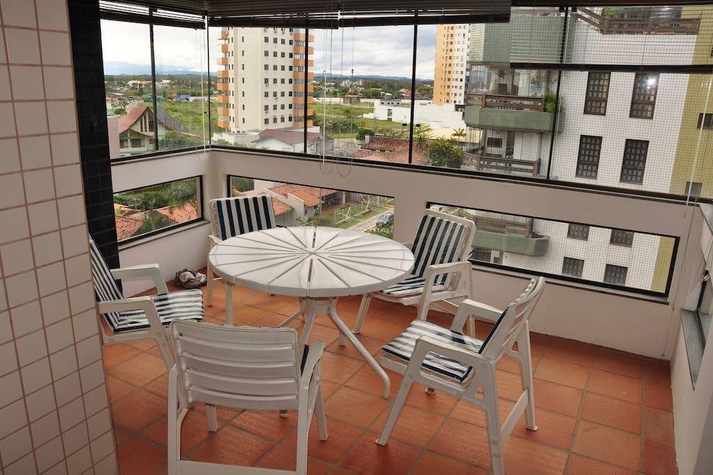 Sacada da Sala (Living Room Balconi)