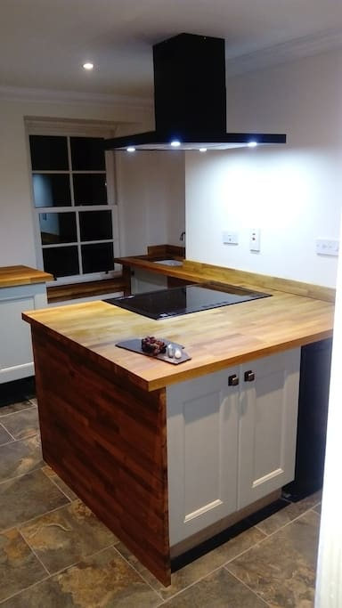 Solid oak kitchen Electric range cooker 5 hob Belfast sink