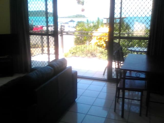 Affordable Cannonvale/Airlie Apt