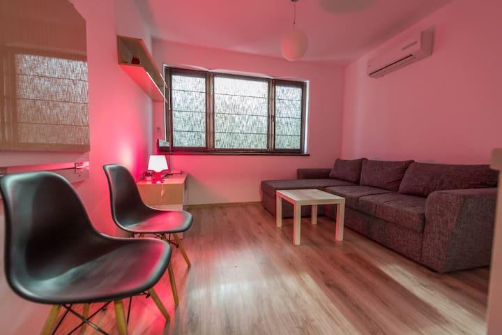 Studio next to the Sea Garden in Varna - Varna - Apartment