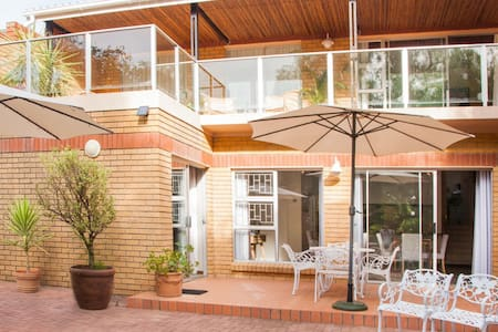Feather Nest Guest House | Family Suite - Oudtshoorn