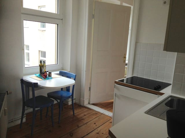 1-room flat in Kreuzkölln/WIFI