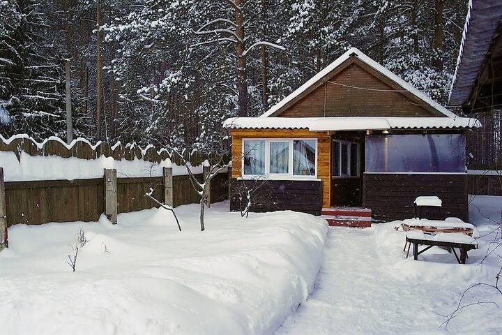 Частный дом в т/б Чайка-Селигер,у озера,в сосн.бор