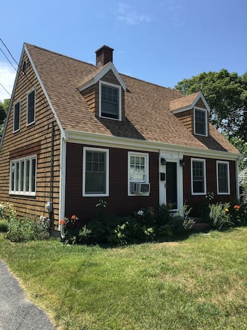 Classic Cape with dormers - Hyannis - Byt