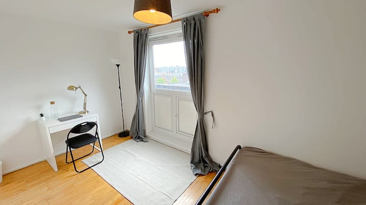 Big Double Room, Central London