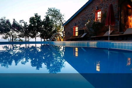 Akyaka'da Villa Güneş Gökova özel havuzlu taş ev